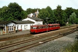 Schienenbus im Juli 1985