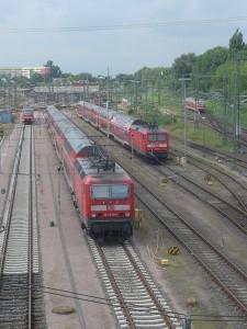 BR 143 und BR 112 im Bahnhofsvorfeld
